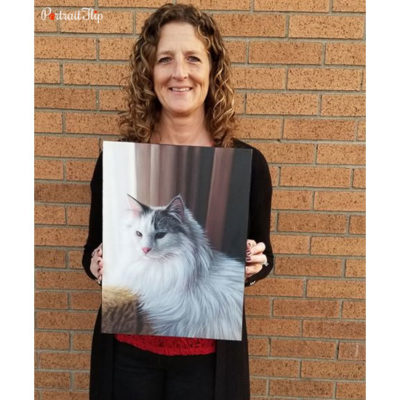 Happy customer with a oil cat portrait