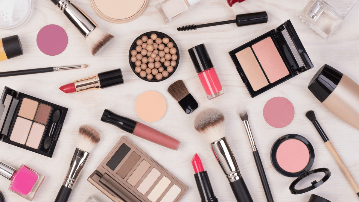 Makeup Products Friendship Day Gifts