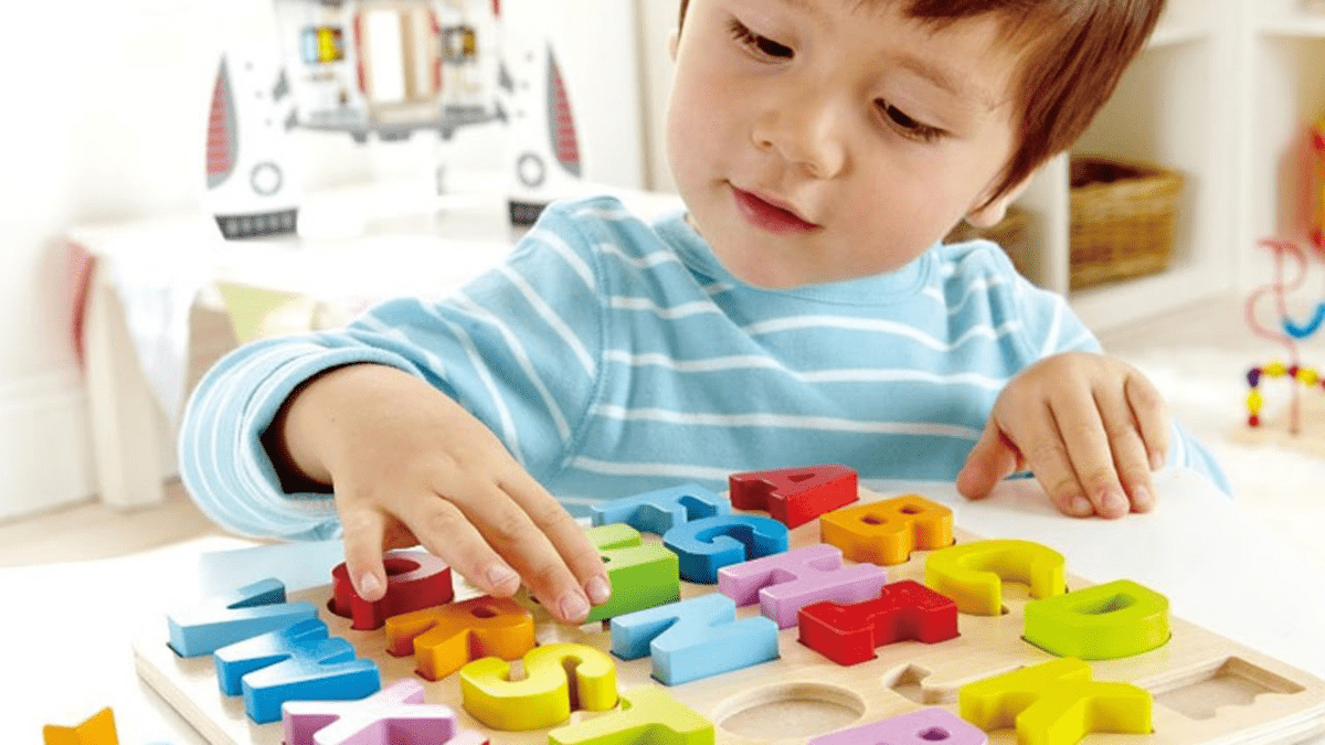kid playing with Bpa-free toys