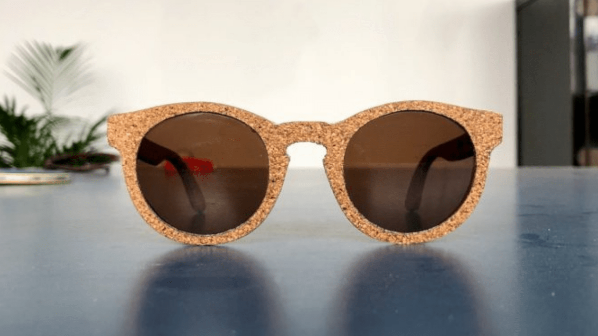 eco friendly sunglasses in wooden frame