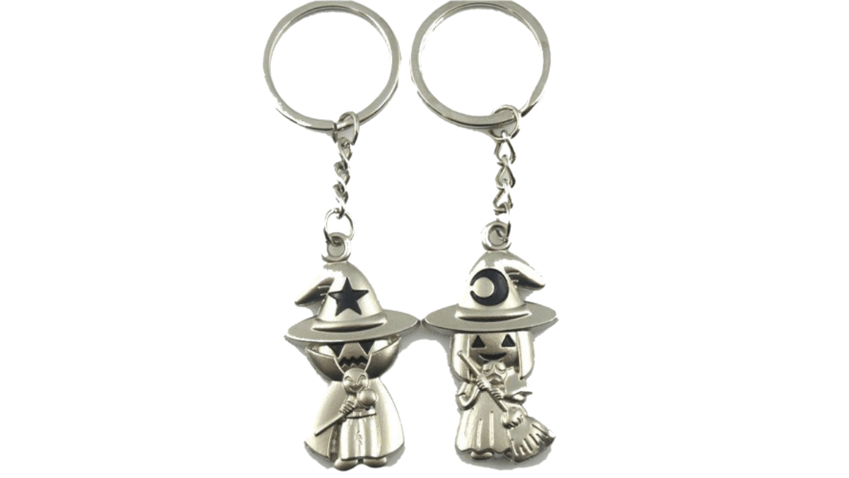A pair of witch and wizard keychains that can be given as gifts for Halloween to a couple.